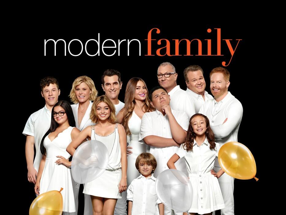 cast of TV show modern family